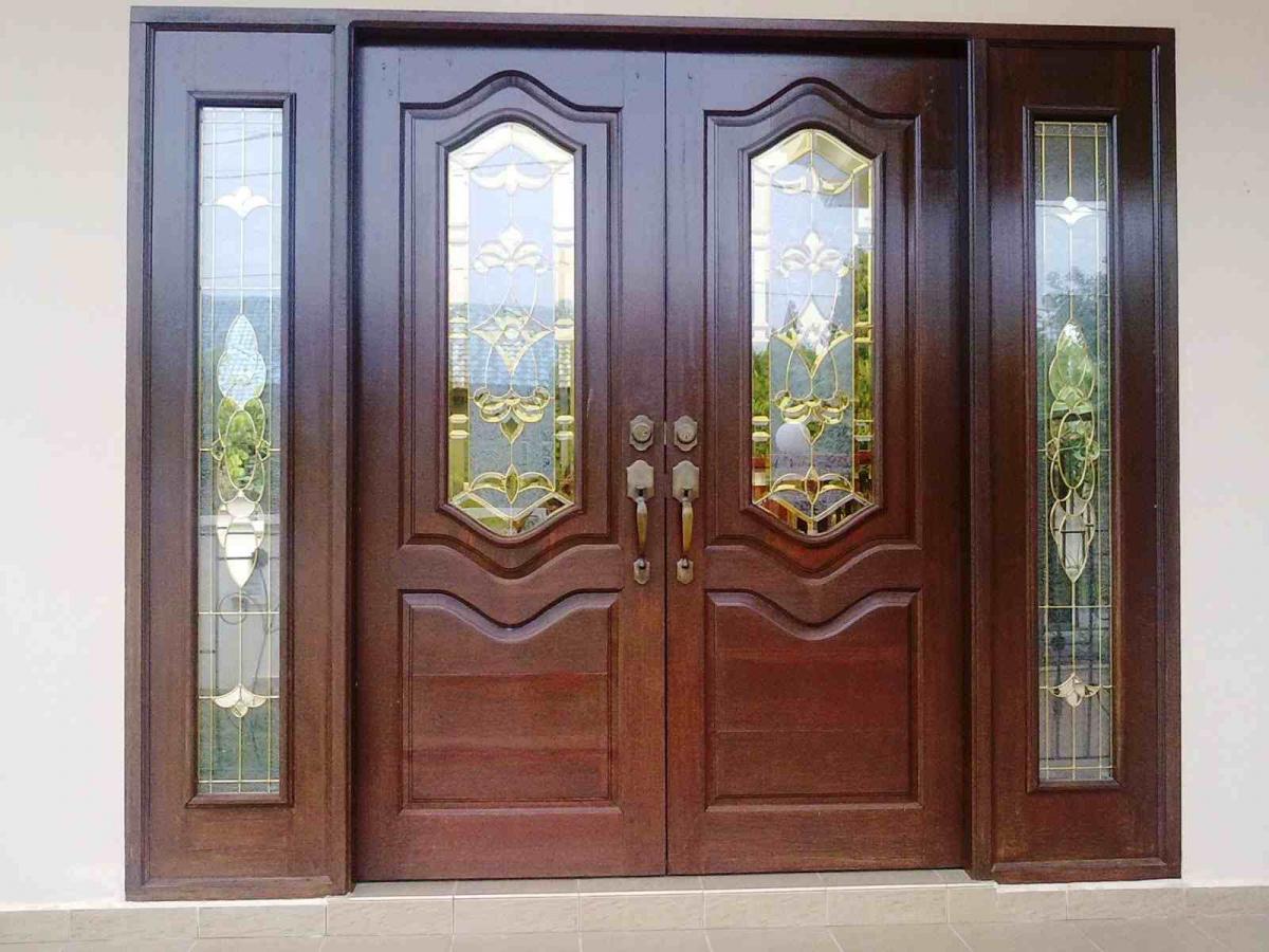 Cara Menampilkan Kesan Modern Dari Desain Pintu Utama Rumah Minimalis